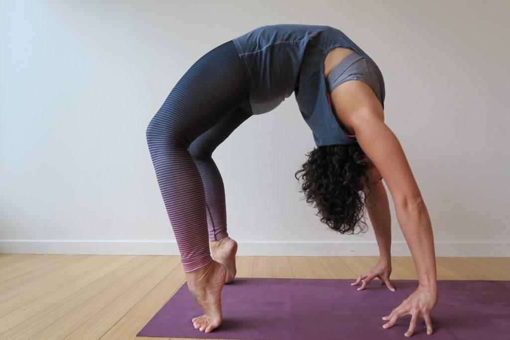 Clara Roberts Oss yoga teacher