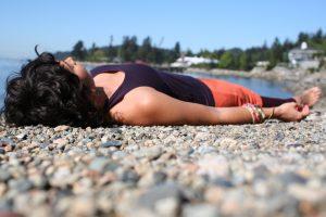 Clara Roberts Oss in vinyasa yoga pose
