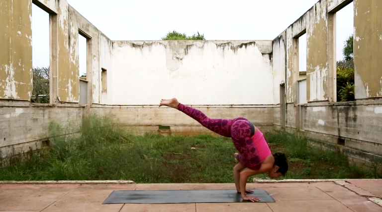online vinyasa yoga taking flight